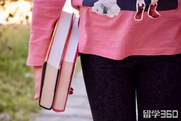 新加坡读中学一年多少钱