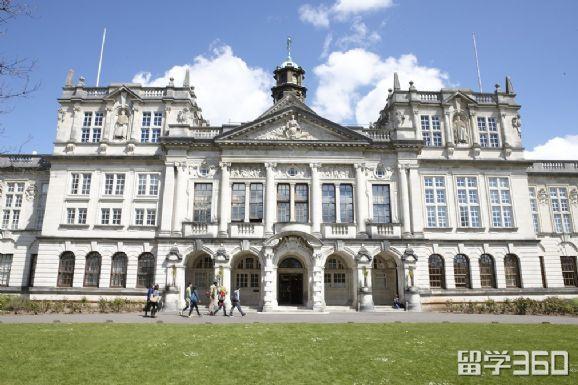 英国计算机专业院校推荐,还可以带薪实习哦!