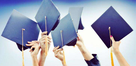 奖学金助力开学季,我在斯巴顿大学等你来!