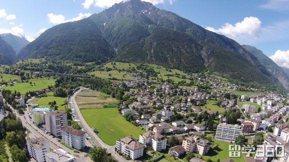瑞士洛桑大学