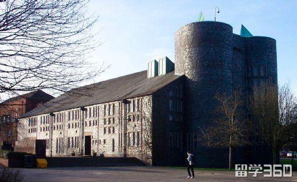 英国基尔大学历史悠久、研究深厚