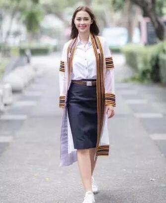 泰国人气女星Patricia今年9月毕业啦!