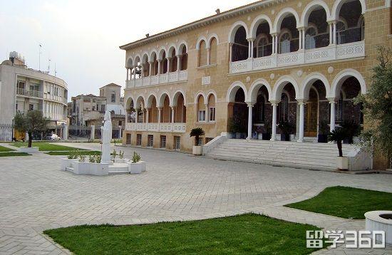 塞浦路斯欧洲大学学费