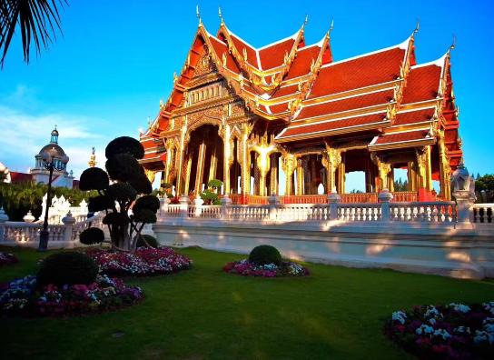 【泰国留学录取榜-本科】我为什么选择就读工商管理专业?