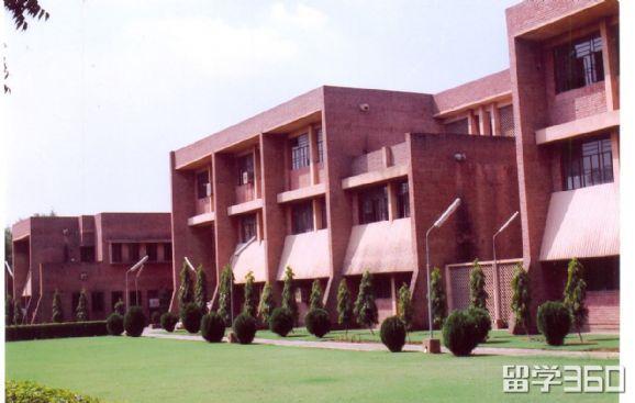 印度佳米雅综合大学