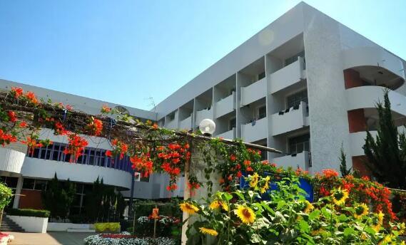其实泰国最美的不是景点,而是校园!