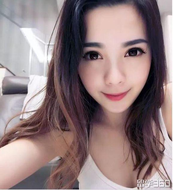 华裔空姐爆红,身份被起底!原来她是......