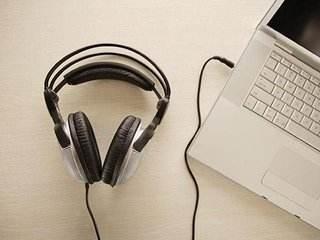 美国留学,美国语言考试,提高雅思听力方法