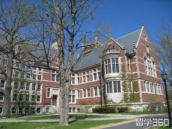 美国麻省大学排名