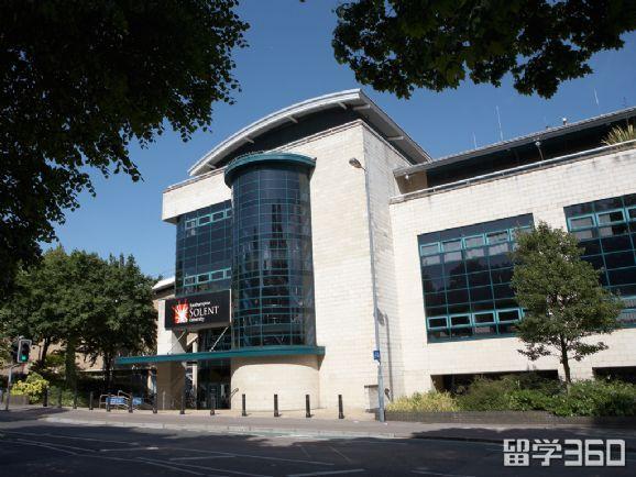 南安普顿索伦特大学排名