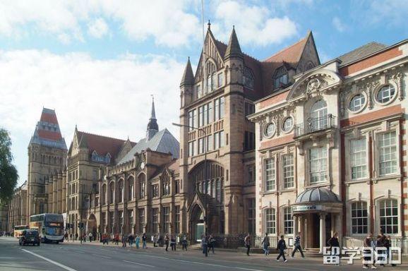 2019曼彻斯特大学一年的所有费用是多少?