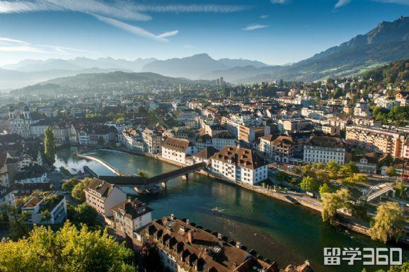 瑞士大学不能转专业吗?看完这个你心里就有数了!