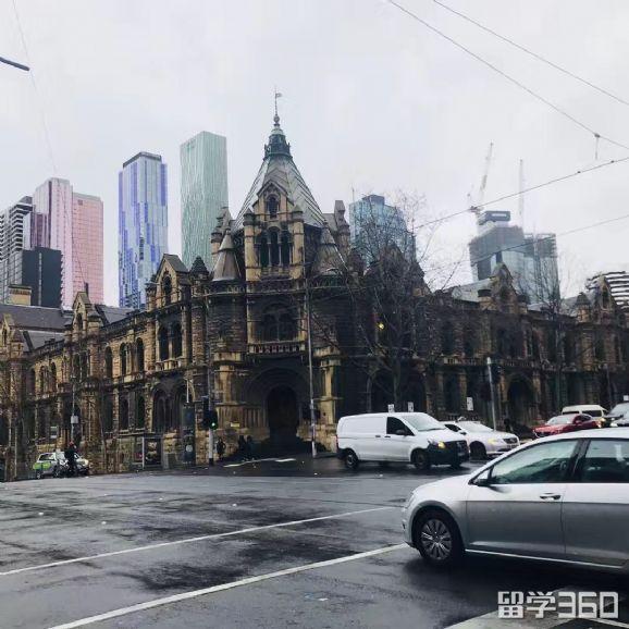 中国警车现身墨尔本中心,这是中国警察开着车来澳洲执法?