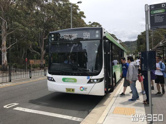 在悉尼年薪18万的华人律师表示依旧活不起,急需找兼职,超高的税率就扣除了工资的三分之一。