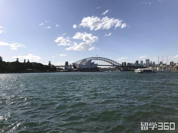 莫里森政府又发话了!澳洲留学政策再收紧!50多个英语课程面临重审,国际生压力大