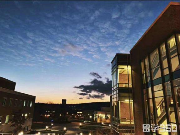 西北大学申请要求及学费?