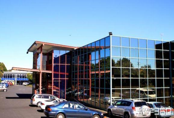 为了给孩子一个更好学习生活环境,X同学选择新西兰留学获奥克兰商学院录取