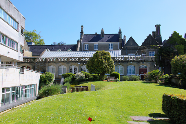 英国斯旺西大学拥有悠久且令人自豪的历史