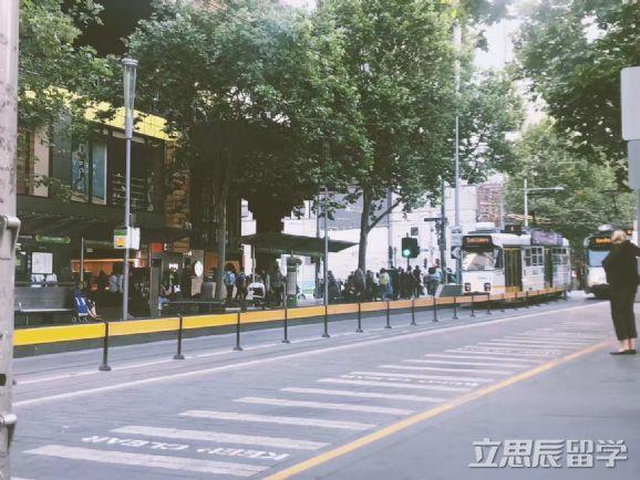 高考后澳洲留学方案推荐!澳洲这所高校将对中国高中生实施免高考直升计划