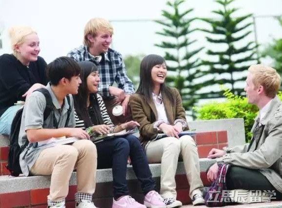 立思辰留学云解读:澳洲高中教育体制