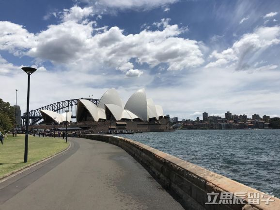 注意了!全球最佳商学院排名发布了。澳洲留学商科果然还是得选它
