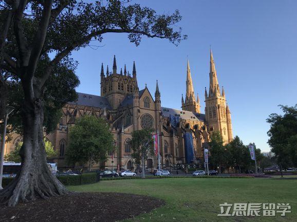 中国学生注意了!澳洲留学申请这些学校会自动加分