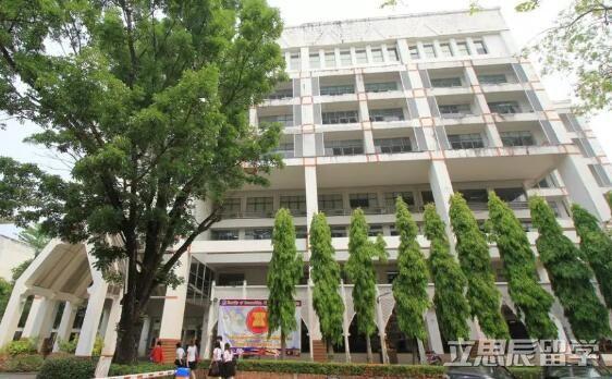 泰国留学   清迈大学护理学专业的佼佼者