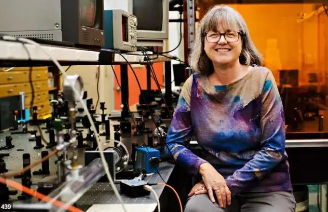 由衷为加拿大教育鼓掌!又一名加拿大科学家获2019诺奖!