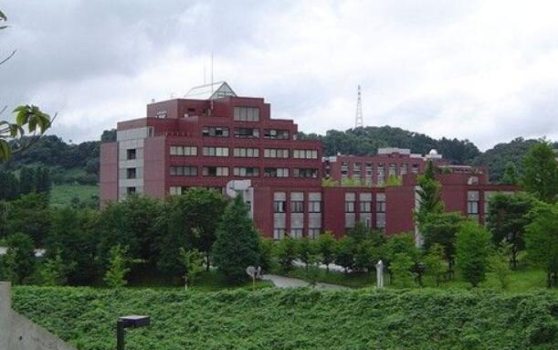 日本著名研究型国立大学――金泽大学
