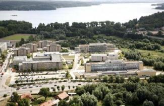 新勃兰登堡应用技术大学风光