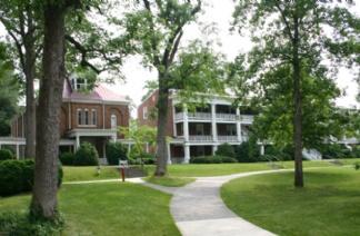 霍林斯大学风光
