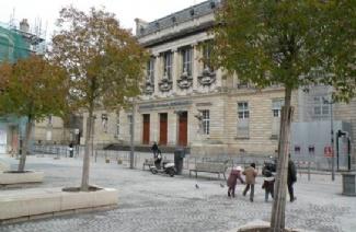 波尔多第二大学