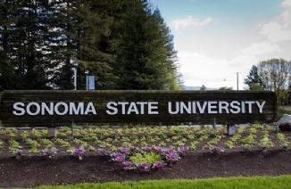 索诺马州立大学
