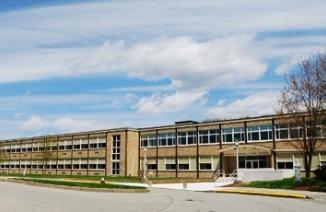 美国康诺利教会中学