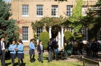英国圣约翰高级中学风光