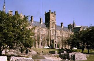 圣安德�斯���W院