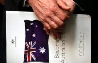 澳洲入籍改革法案确认被否!再也无需英语测试,也不用等四年!