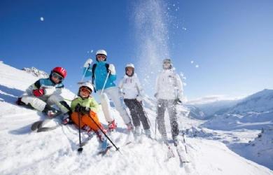 """""""温哥华之巅""""滑雪冬令营15天"""