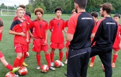 利物浦足球青少年训练营