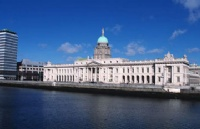 爱尔兰365体育备用地址_365体育在线投注导航_365体育在线chat:利莫瑞克理工学院奖学金简介