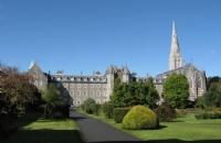 爱尔兰留学:科克大学所提供的奖学金丰硕