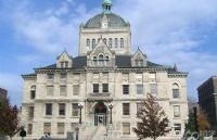 美国肯塔基大学费用是多少?