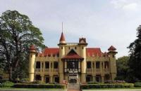 泰国艺术大学专业可分成几类