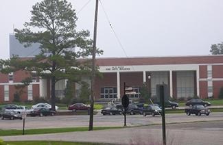 琼斯县初级学院