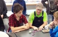 新西兰惠灵顿中学学生们天性聪颖、富有创造性和求知欲