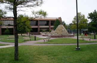 南拿撒勒大学