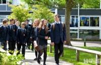 还说英国高考不太难?被BBC报道过的超级学霸,考完照样哭成狗