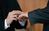破除歧视--瑞士人的同性恋伴侣入籍不再难