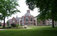 格罗夫城学院一年花费