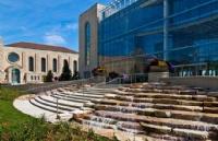 目前美国规模最大的耶稣会大学―芝加哥洛约拉大学